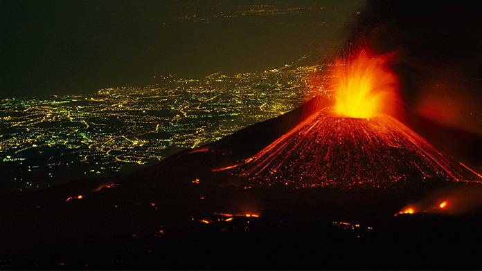 vulcanul_etna_a_luminat_cerul_poza_reprezentativa