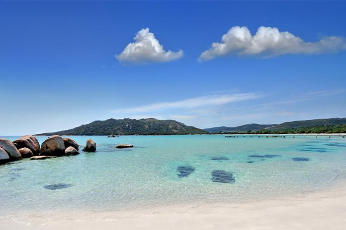 Plaja Santa Giulia din Corsica - una dintre cele mai frumoase plaje din Europa